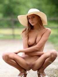 Slim Blonde Beauty Mango Gets Nude In The Garden 13