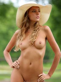 Slim Blonde Beauty Mango Gets Nude In The Garden 15