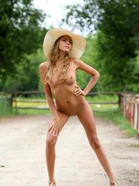 Slim Blonde Beauty Mango Gets Nude In The Garden 16