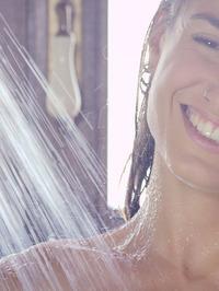 Julia Roca Licks Nikita Bellucci In The Shower 00