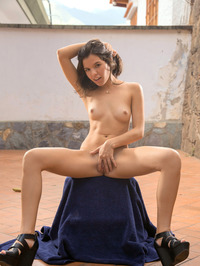 Yessi Spreads Her Tight Teen Pussy Outdoor 09