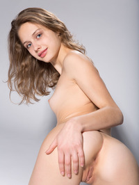 Skinny Teen Sonia Showing Tight Pussy 13