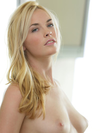 Bailey Rayne Hot Blonde Babe 01